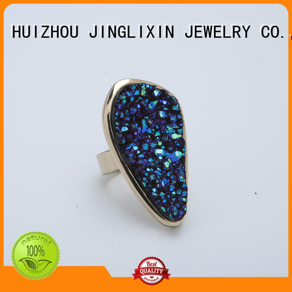 emerald personalized rings manufacturer for present