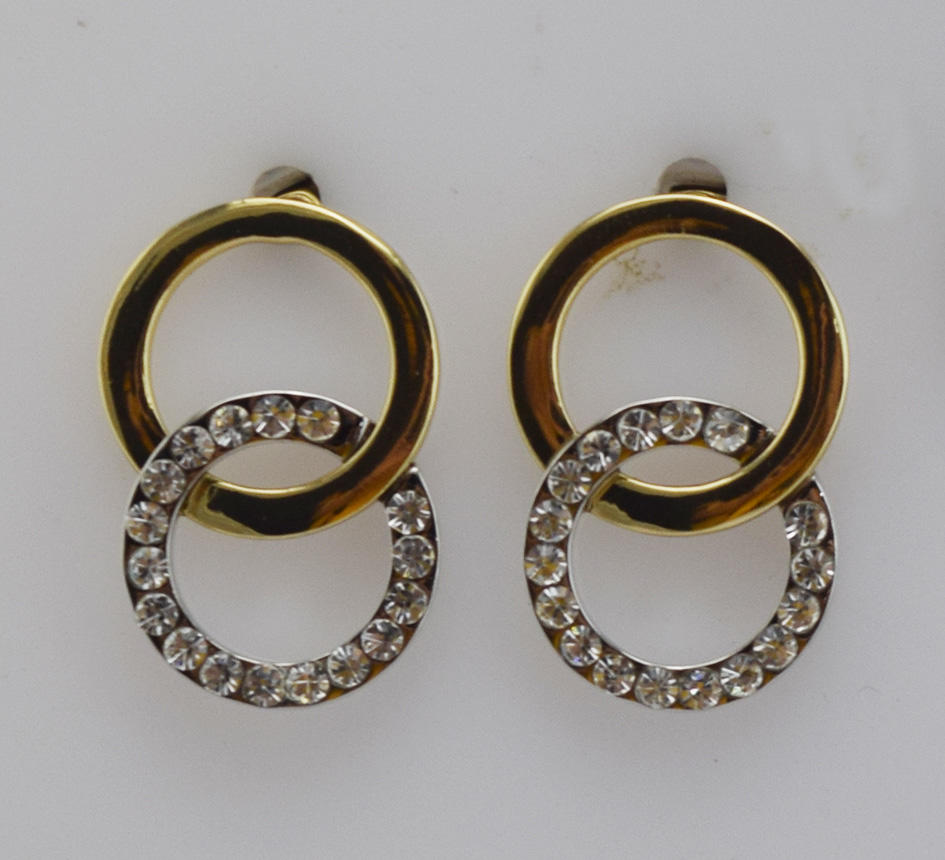 Double ring with diamond earrings