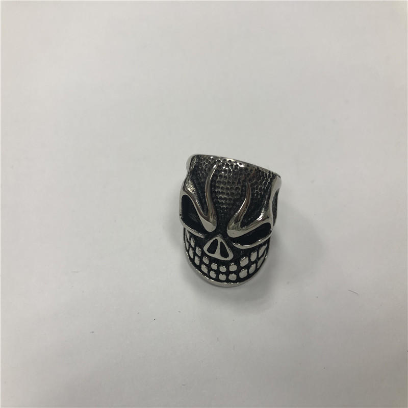 Grimacing Skull punk ring