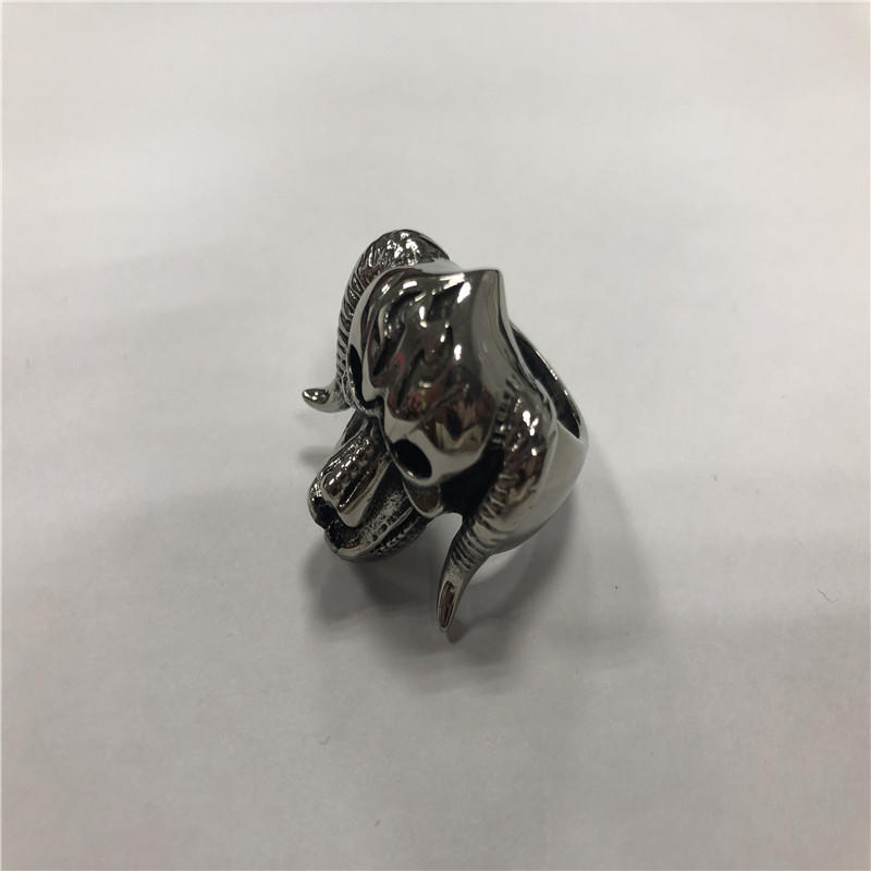 Scary horned monster skull ring