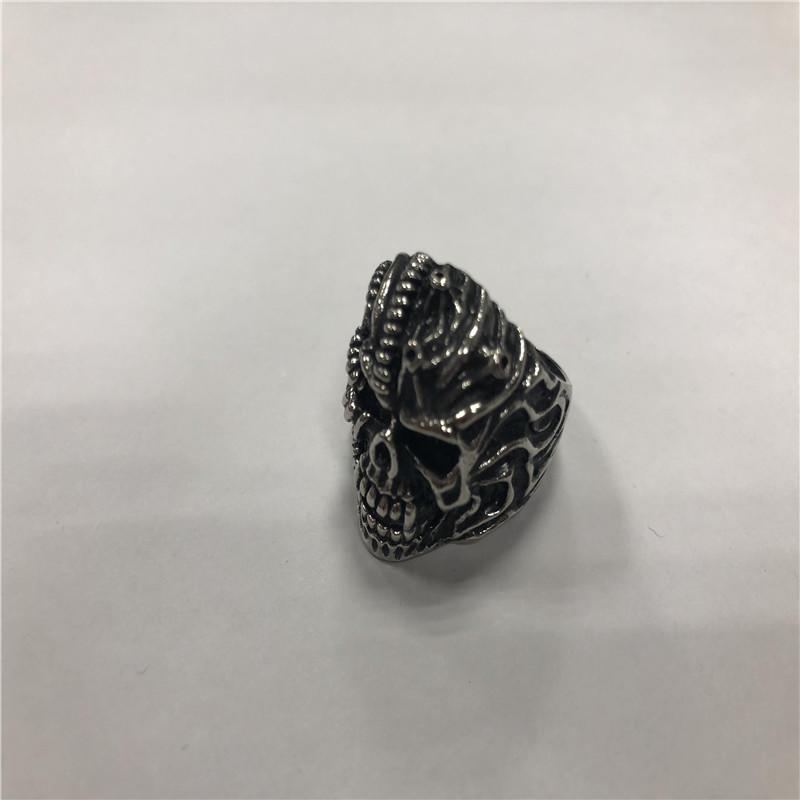 Retro hip hop skull ring