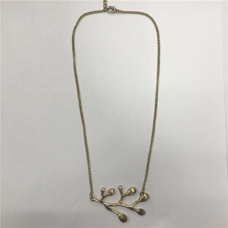 Golden water droplet leaf branch modelling is delicate short necklace