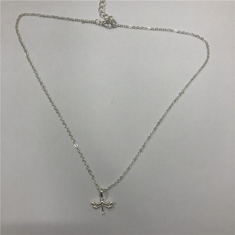 Short butterfly clavicle chain
