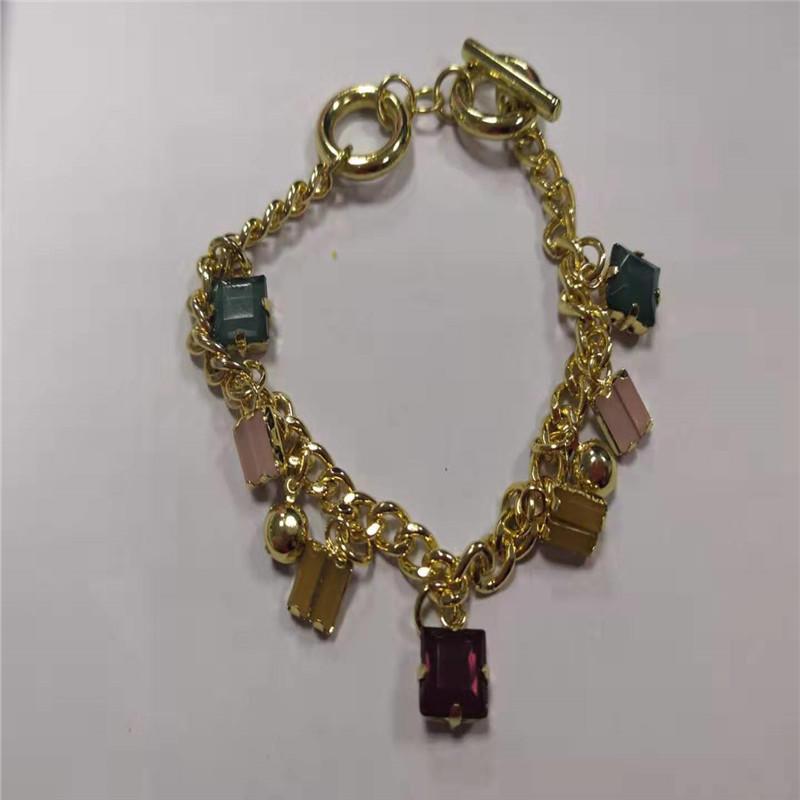 Crystal pendant t-chain