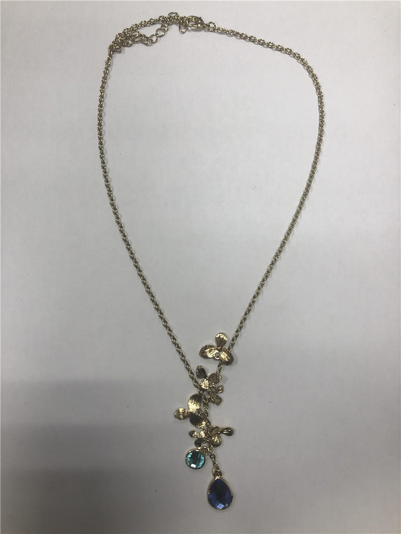 Little pearl orchid shorts necklace