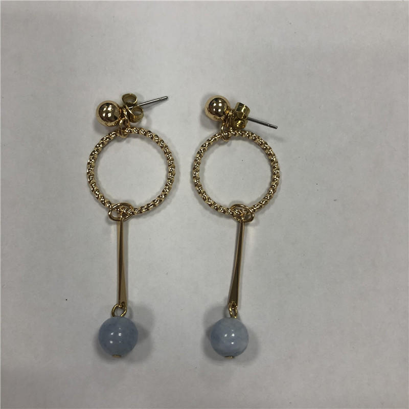 Fresh and sweet sapphire pendant earrings