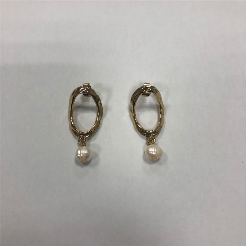 Sweet pearl pendant earrings