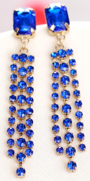Fashionable colored diamond earrings
