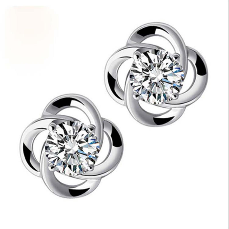 Exquisite zircon earrings