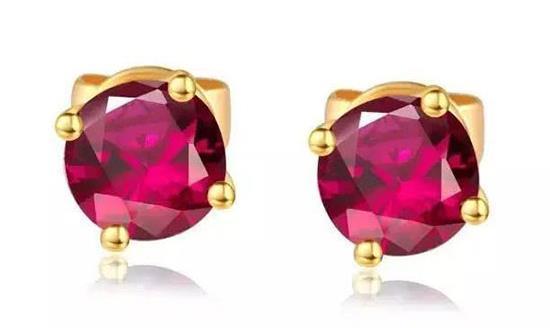Ruby set earrings