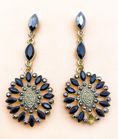 Chrysanthemum pendant earrings